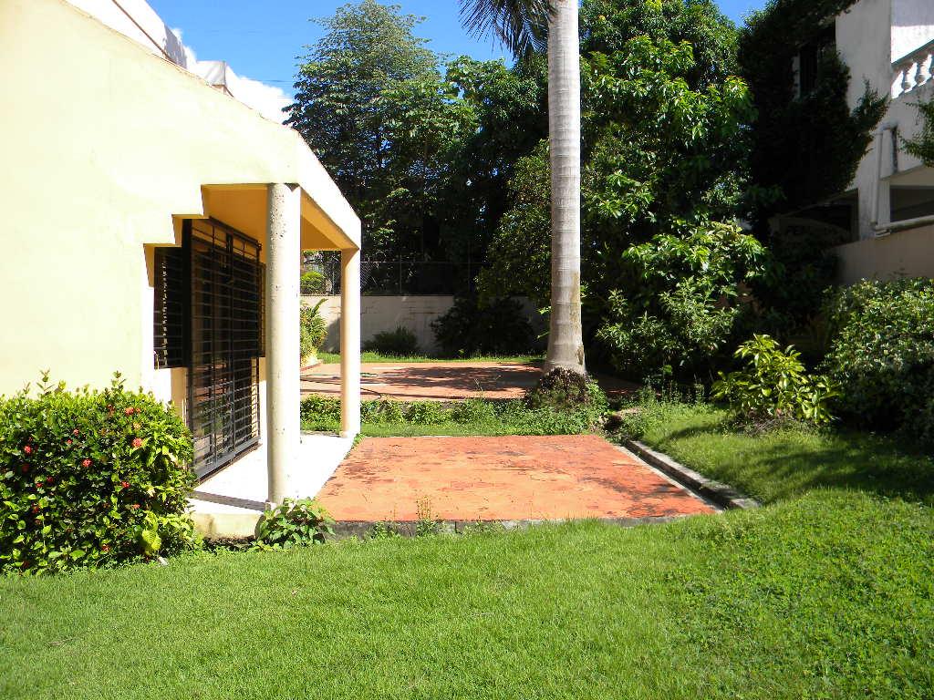 Residencia en venta frente al jardin botanico tu espacio for Casa jardin botanico